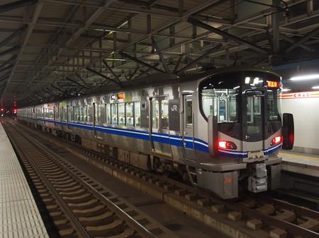 521系 北陸本線福井駅01