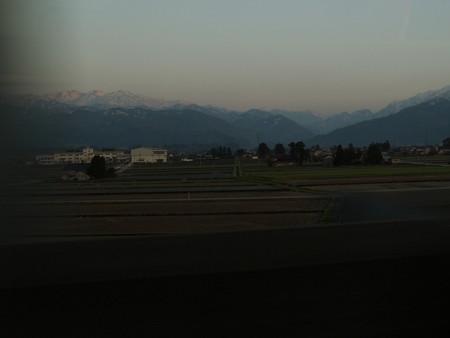 新幹線から眺める立山連峰01