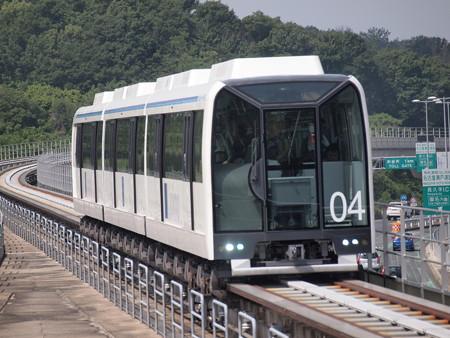 リニモ100形 公園東駅01