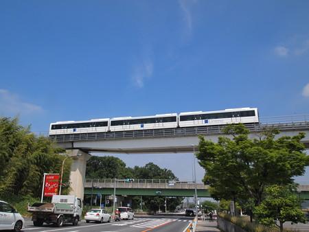 リニモ100形 公園東~芸大前01