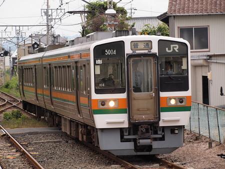 213系普通 飯田線新城駅