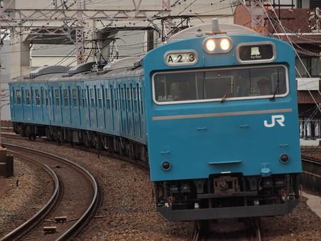 103系普通  阪和線美章園駅02