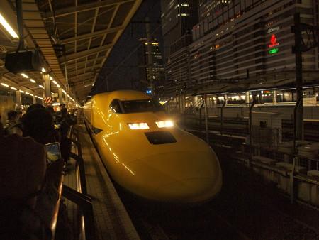 ドクターイエロー 東海道新幹線名古屋駅02
