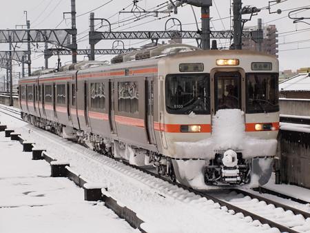 313系普通  関西本線八田駅01