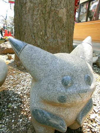 居木神社-16_キャラ-03ピカチュウ