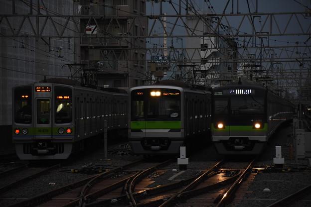 都営新宿線3並び