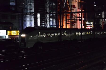 651系フレッシュひたち61号夜のタキシード・ボディ