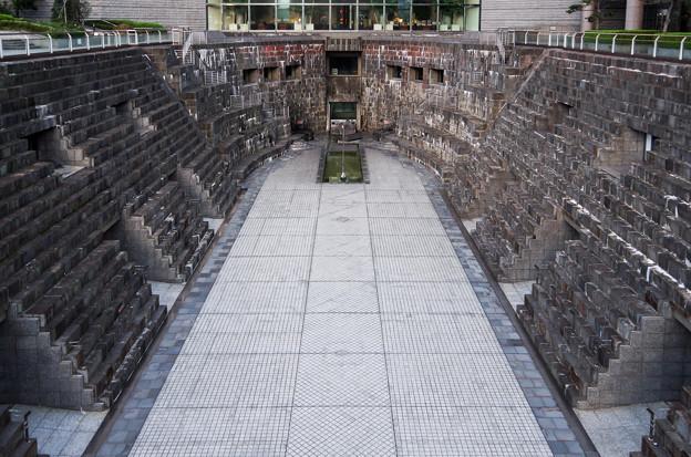 ドックヤードガーデン(旧横浜船渠株式会社二号船渠)
