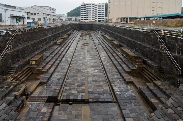 在日米軍横須賀基地一号ドック(旧横須賀造船所一号ドック)