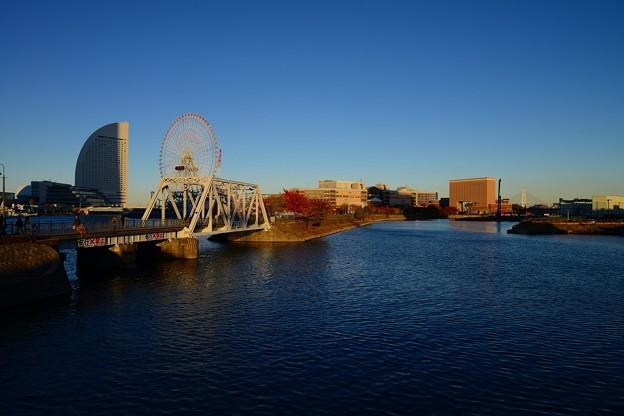 夕陽に染まる鉄橋