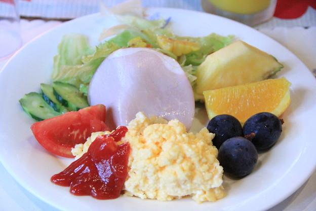 新鮮な高原野菜&フルーツたっぷり朝ごはん