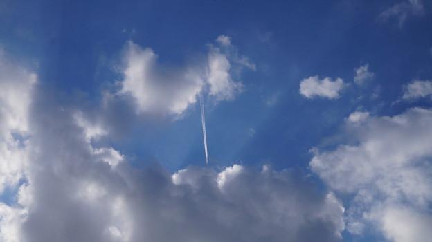 写真: 雲を抜けて