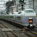 Photos: スーパーあずさE351系 S1+S21編成