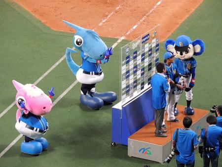 4/22(金) 昇竜デーのヤクルト戦は勝利で飾ってヒーローインタビューは平田選手でした。