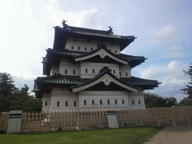 弘前城~もっと天守が大きいのかと思ってた。