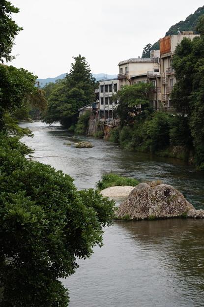 宇連川の渓谷