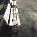Photos: 白いベンチ