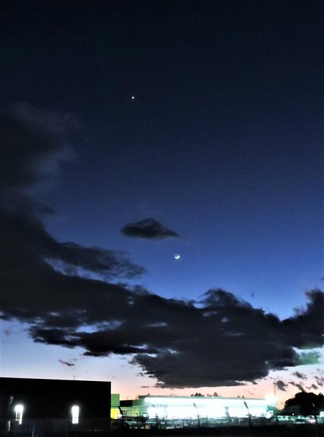 振り向けば・・・三日月と金星  H29:01:30