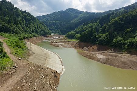 2016年6月26日、手取川ダム湖風景