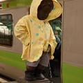 写真: 浜松町駅ホームの小便小僧
