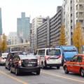 Photos: 師走の麻布通り…「はたらいているくるま」たち