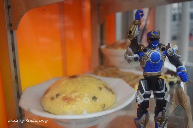 ヒーローも飯が必要!