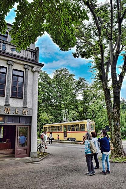 Photos: 昭和の街並みへ