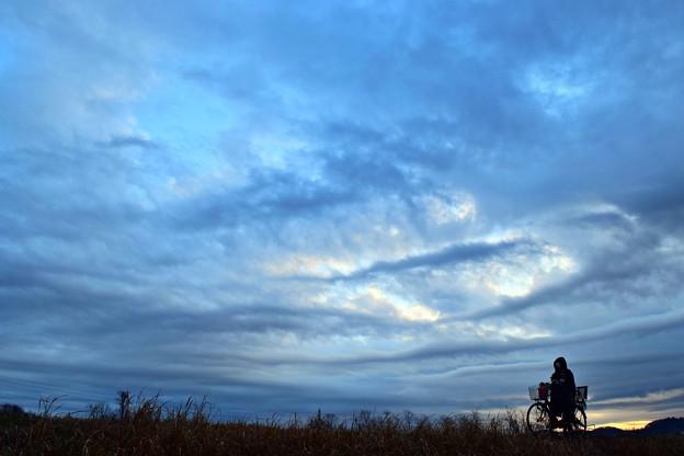 暗雲の朝陽