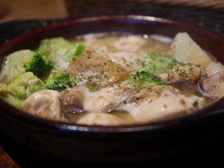 ホタテとマッシュルームのアヒージョ