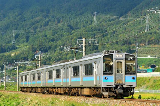 Photos: E127系@稲荷山ストレート