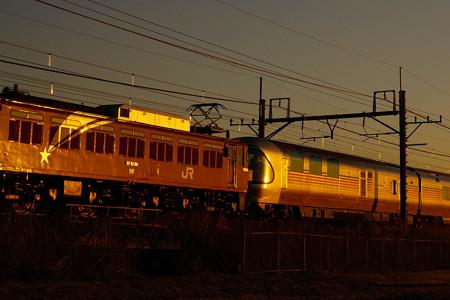 8009レ EF81-98+E26系 カシオペア紀行@ヒガハス2