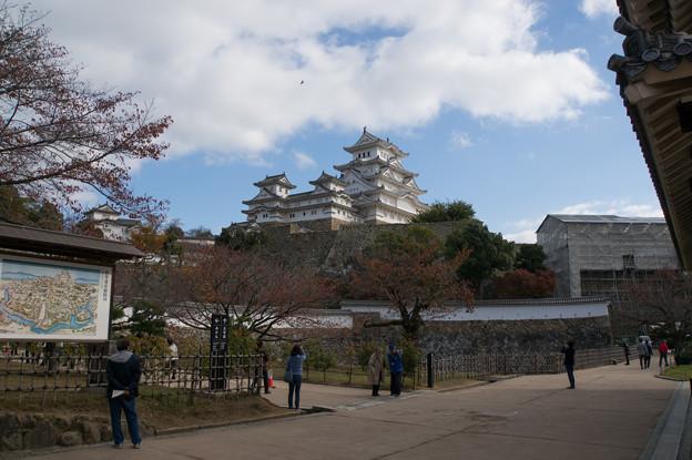 姫路城【10_三国堀から見た天守閣】1