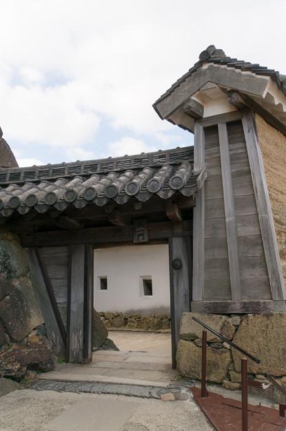 姫路城【20_水一門ですが、よく見れぱ右側が油壁でした】