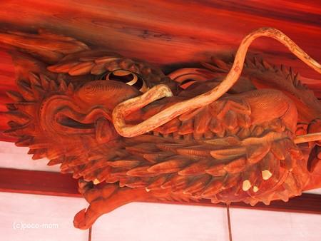 瀧尾神社 拝殿の龍 PC110791
