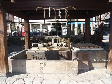 瀧尾神社手水舎  PC110827