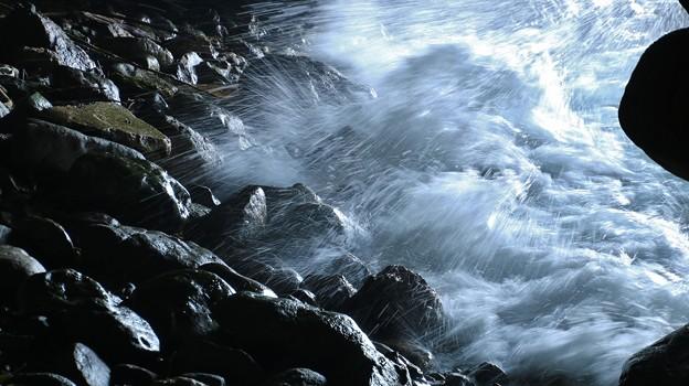 写真: 賽の河原洞窟