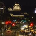 写真: 姫路駅から姫路城を望む