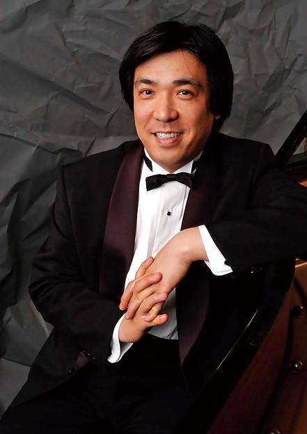 写真: 渕上千里 ふちがみちさと ピアノ奏者 ピアニスト