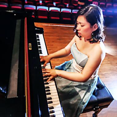 荒井直子 あらいなおこ ピアノ奏者 ピアニスト Naoko Arai