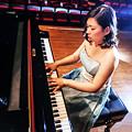 写真: 荒井直子 あらいなおこ ピアノ奏者 ピアニスト Naoko Arai