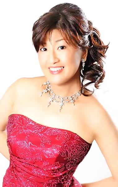 八木寿子 やぎひさこ 声楽家 オペラ歌手 アルト        Hisako Yagi