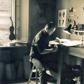 写真: チェロ、弦楽器製作家  坂本忍 さかもとしのぶ        Shinobu Sakamoto
