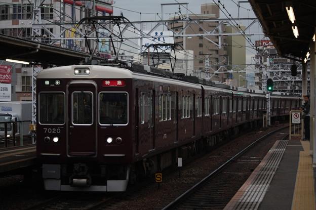 阪急神戸線 7000系7020F