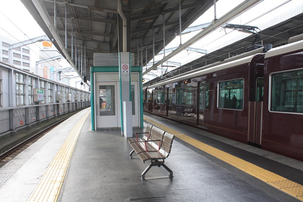 曽根駅3番線・4番線ホーム