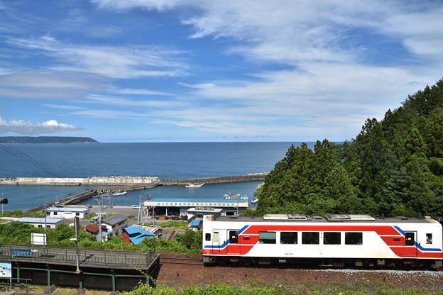 堀内駅と三陸の海