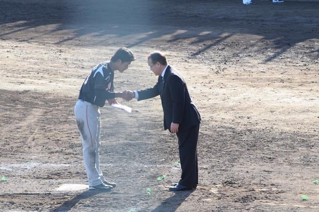 Photos: 握手。