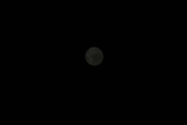 厚い二酸化炭素に覆われた灼熱の星金星