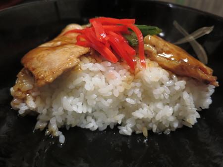 粋菜庵しなの 十勝豚丼(全国ご当地どんぶりまつり限定) 断面図