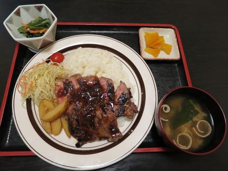 粋菜庵しなの 牛ステーキ丼¥1180