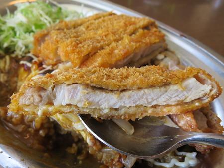 インデアンカレー 魚津店 ヤサイタマゴカレー トンカツトッピング 辛口 トンカツアップ